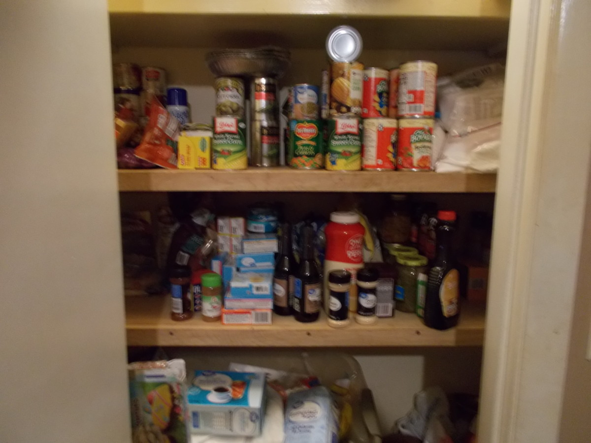 How to Create an Emergency Food Pantry With Everyday Items From Grocery Stores