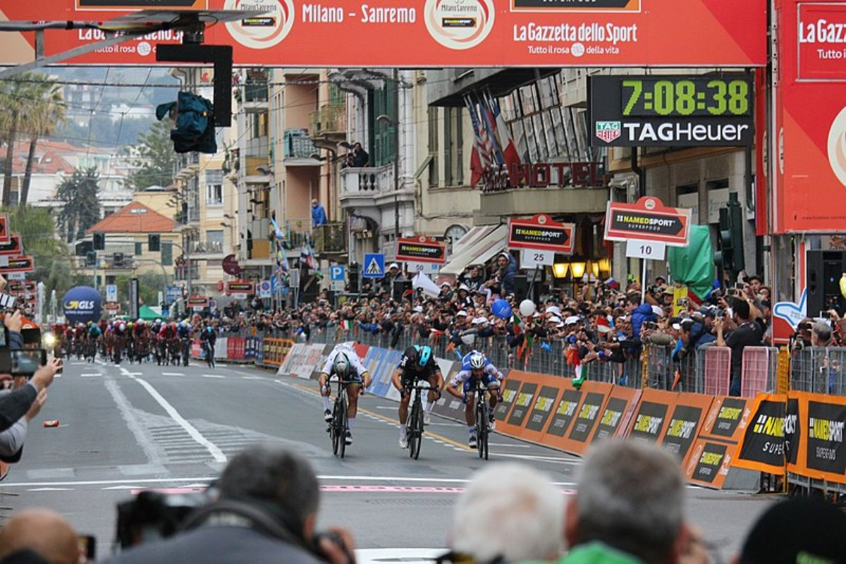 The finishing line of 2017 Milan-San Remo - 	Claudio Martino -  CC-BY-SA-4.0