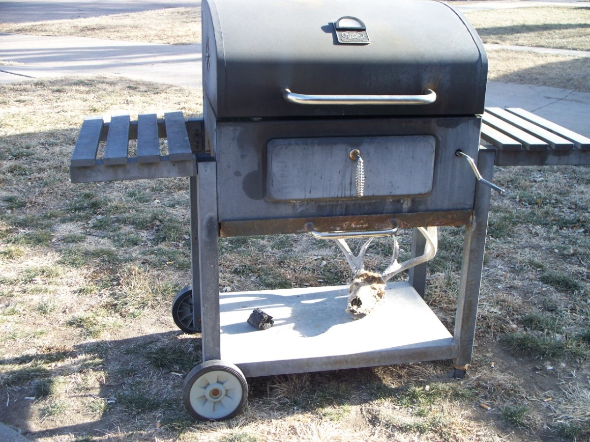 You wouldn't be a redneck if you didn't flash a set of horns on your BBQ.