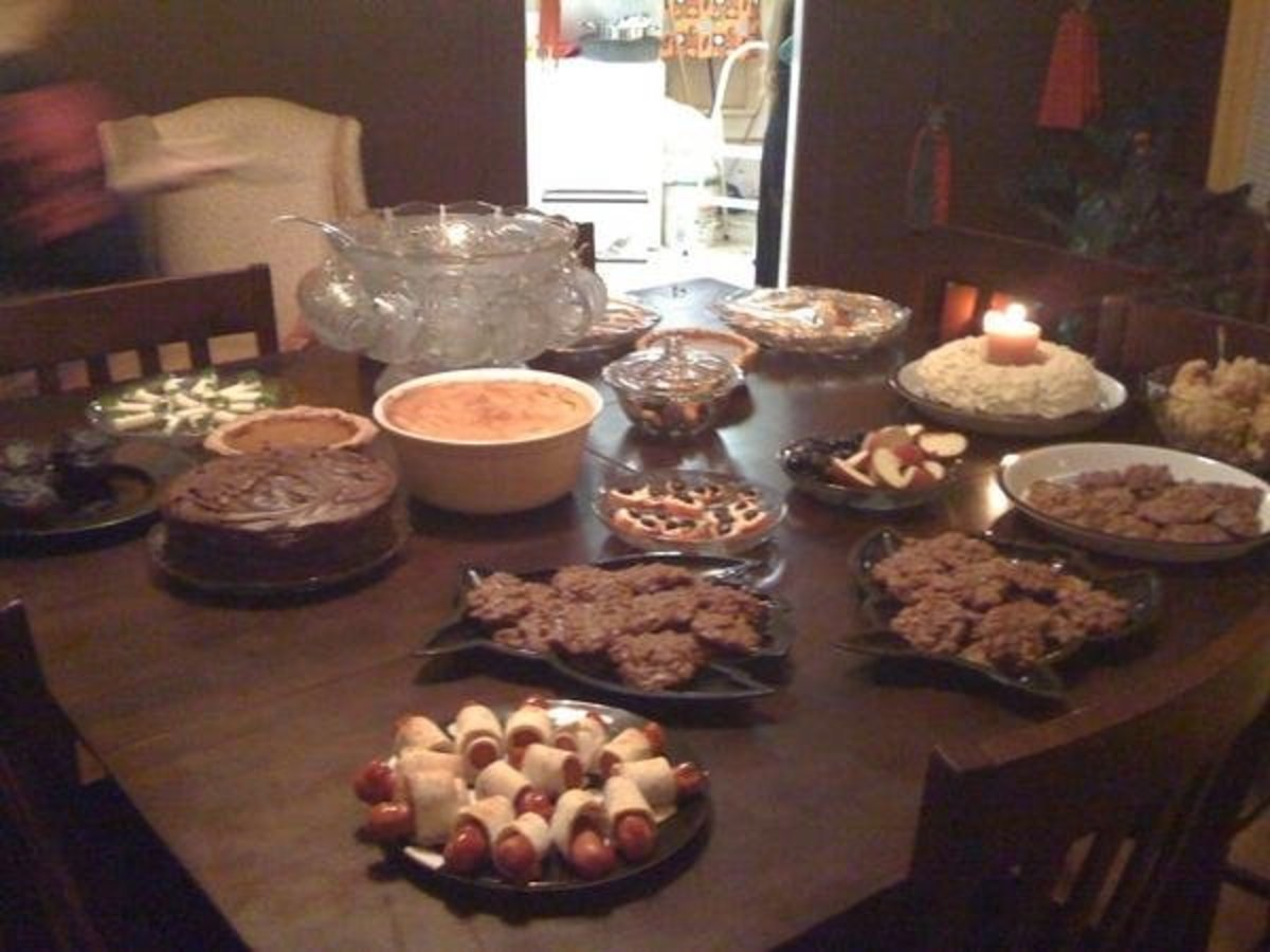 A sampling of the appetizers and sweets.