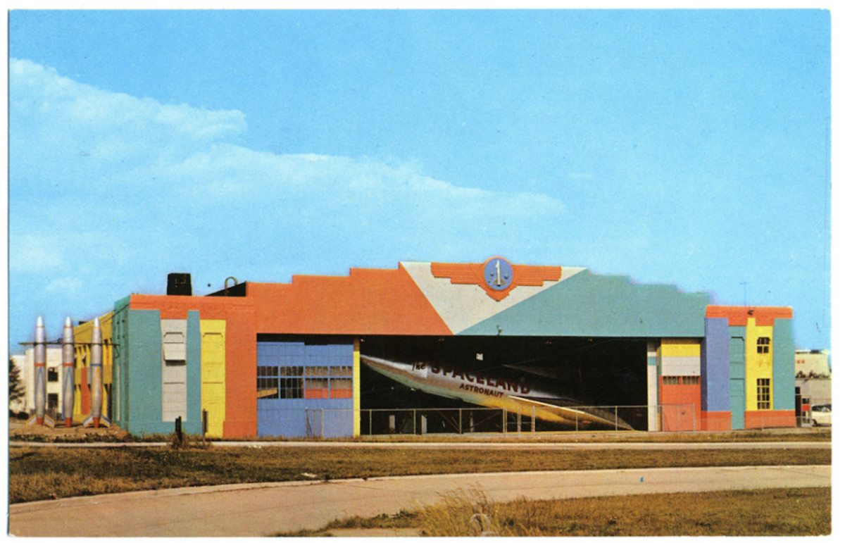 The back of the hanger, as seen from the northbound Meadowbrook Pkwy off-ramp at Old Country Road. This would normally have been closed as the entrance was on the other side.  Seen here on an official postcard.