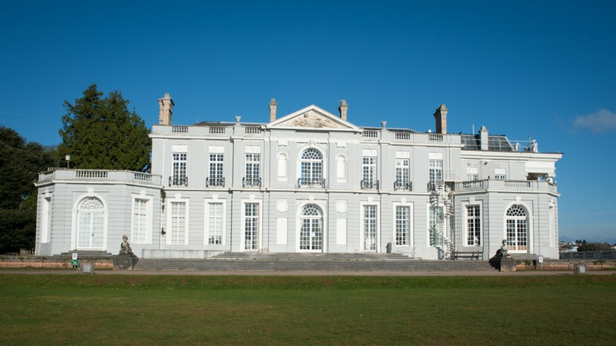 Oldway Mansion, a place for civil weddings.