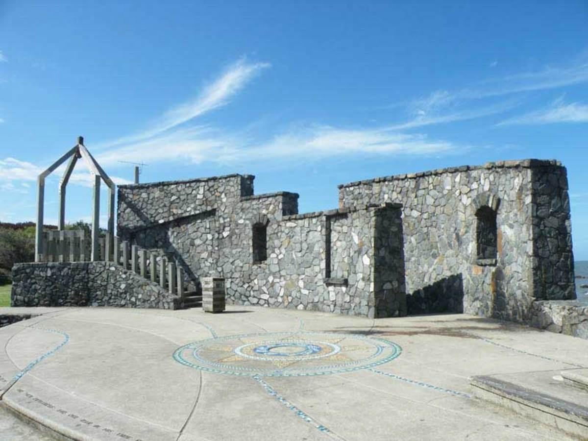 First Settlement Memorial Wall, Redcliffe