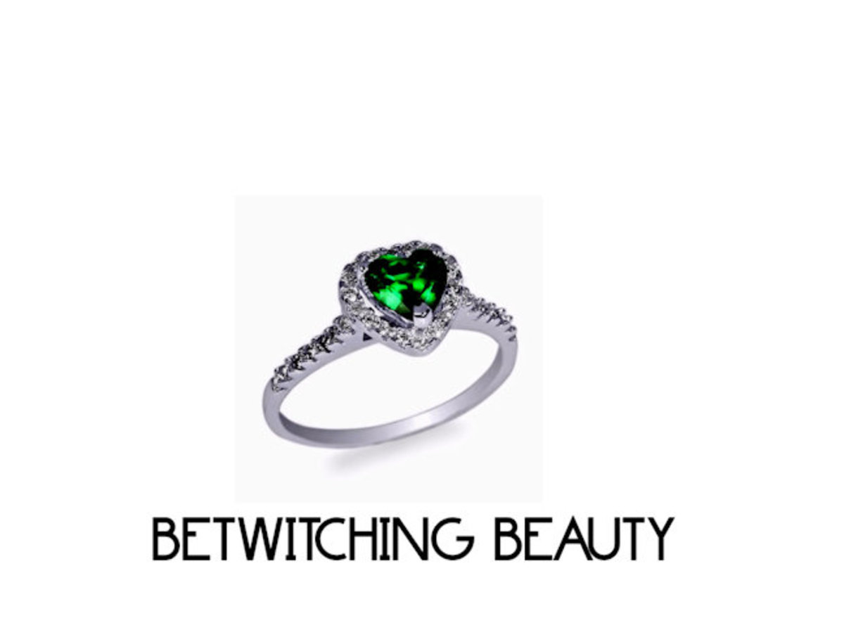 The emerald has always been the ring of choice because of its bewitching beauty!