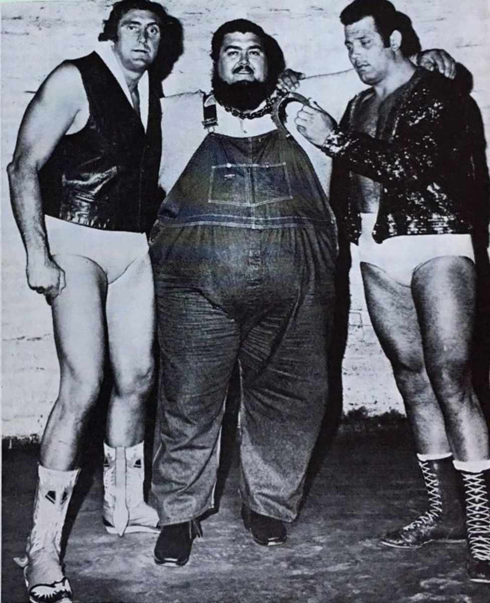 Haystack Calhoun (middle)  with Mario Milano and Tex McKenzie in 1971.