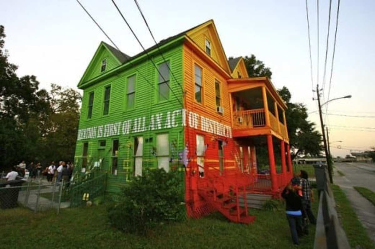 This Old House in Houston painted by Aerosol Warfare.