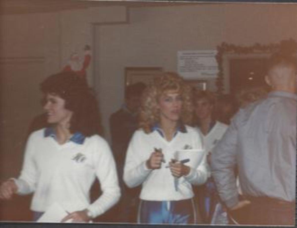 Dallas Cowboys Cheerleaders Visiting the troops, December 1985.