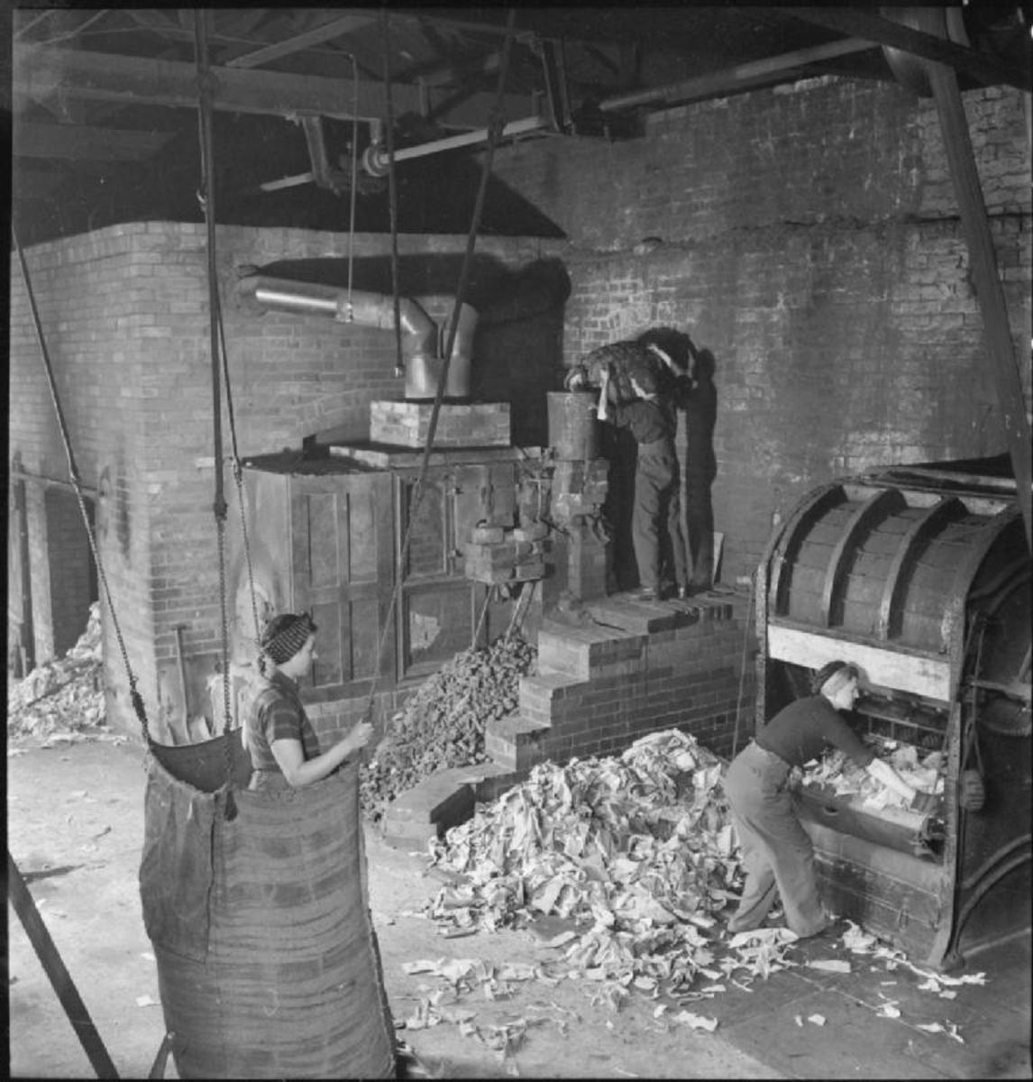 Old Rags Into New Cloth- Salvage in Britain, April 1942