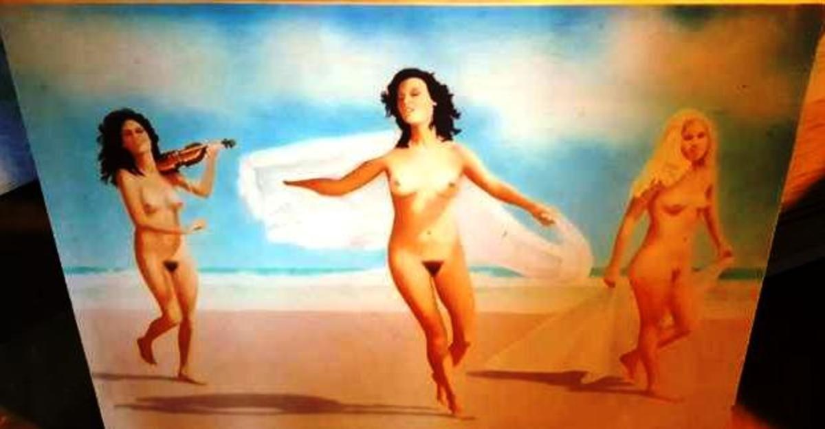 Arco's nudes