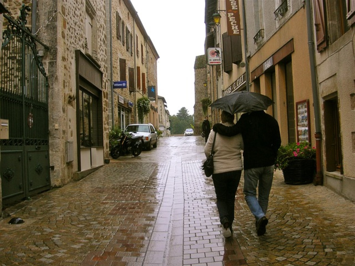 Couple in the Rain; CCO public Domain