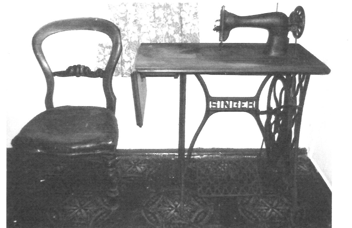 Singer Sewing Machine in 1921 in Dublin