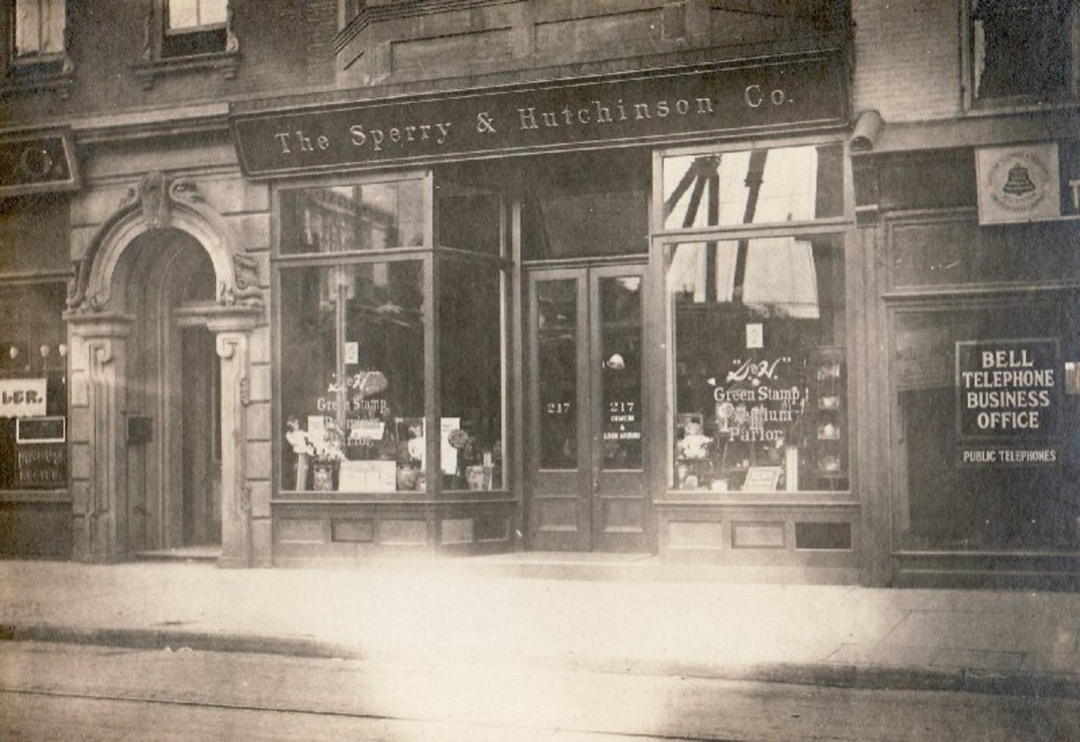 Myer Brooks's store in Trenton, New Jersey. The Facade of the Trenton S&H Redemption Store in the Early 1900's.