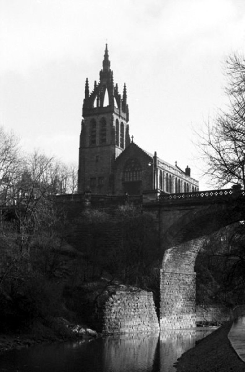belmont church, from kelvin walkway