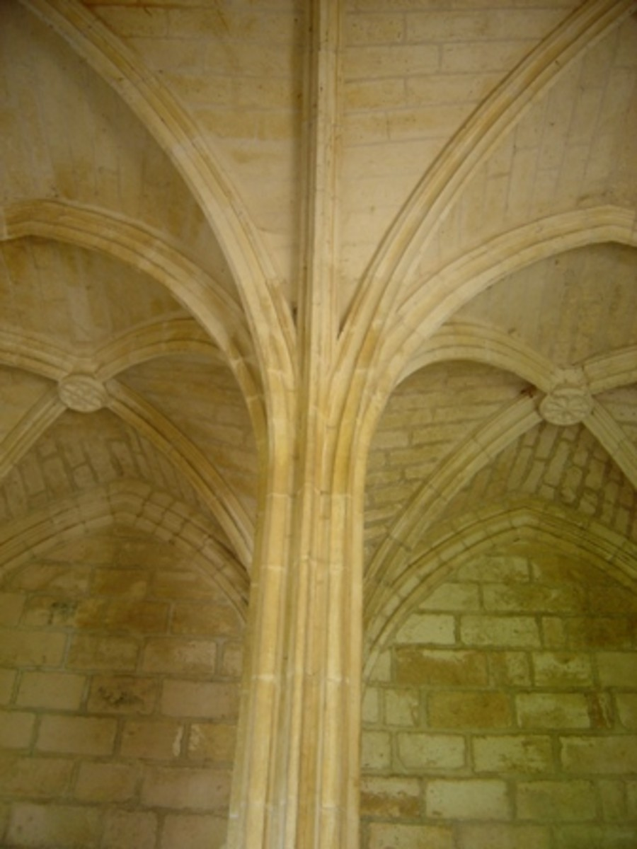 Vaults and columns become one in Brantome abbey church