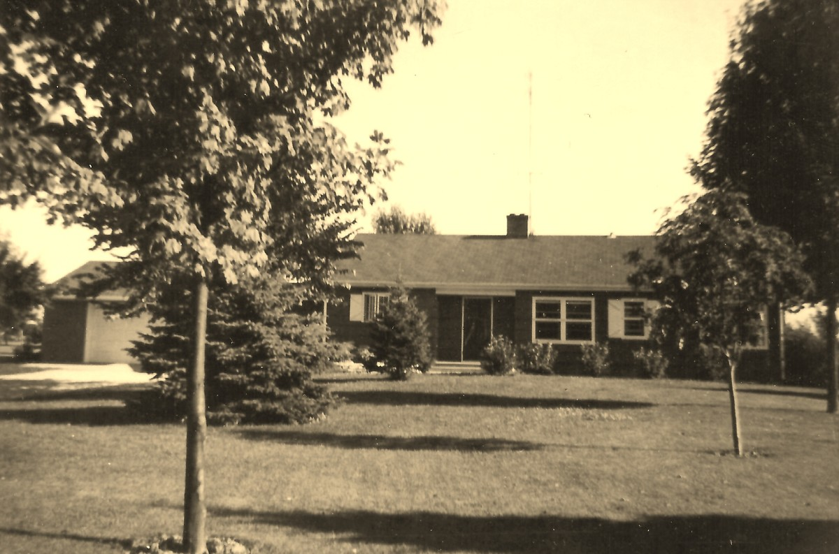 The front of the first home that I remember as a child.