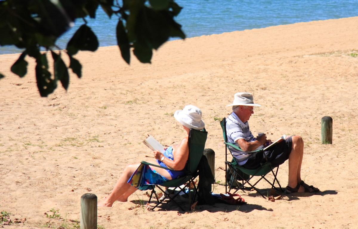 Older adults like E-readers