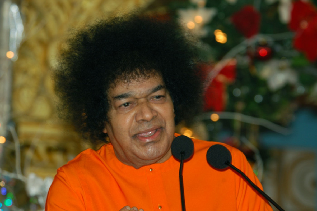 Bhagawan Sri Sathya Sai Baba during one of His discourses
