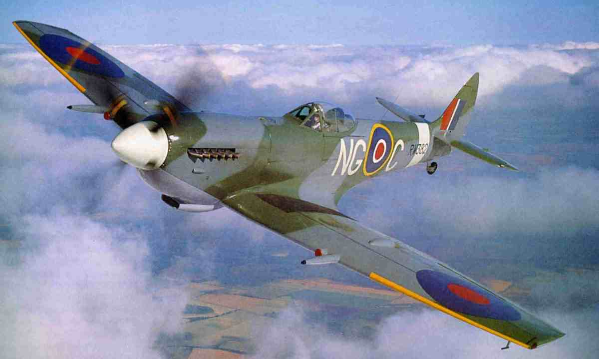 Spitfire The best Airforce plane in the world. public domain
