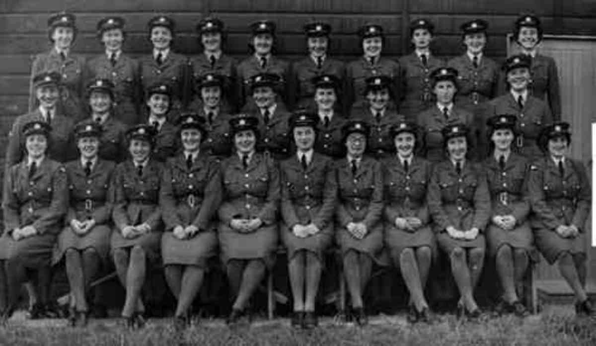 WAAFs at 635 Squadron R.A.F. Downham Market