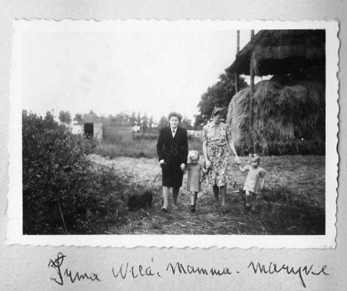 1943 Jewisch girl Irma, my Mom Muys Schram de Jong and daughters Wiea and Marijke. I wasn't born yet.