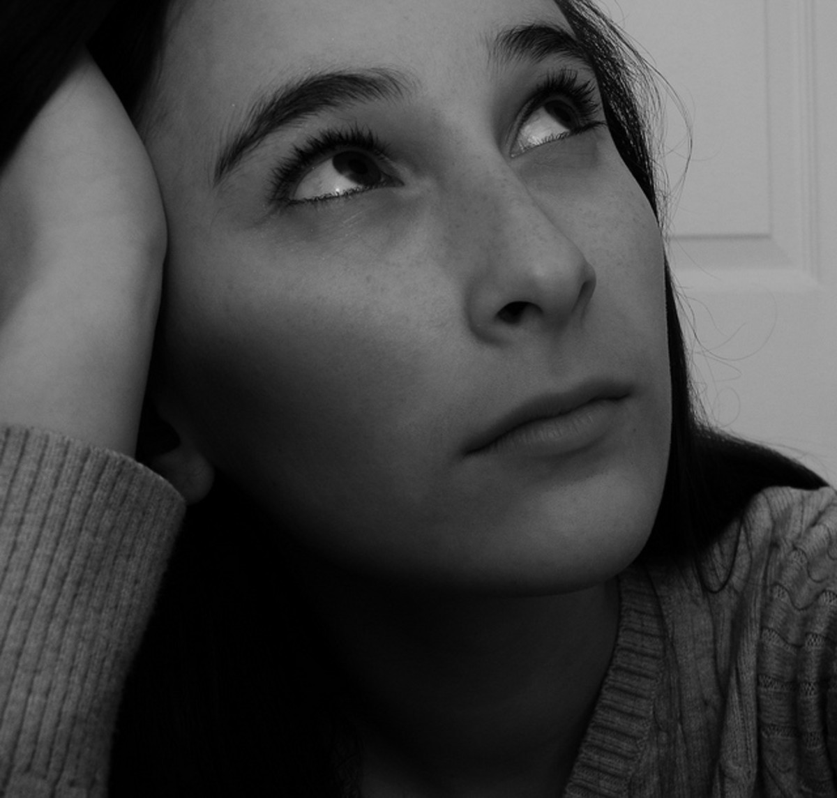 In deep thought, the poet waits for poetic inspiration to emerge internally, then externally.