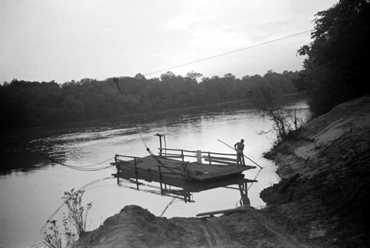 A typical cable ferry on the river