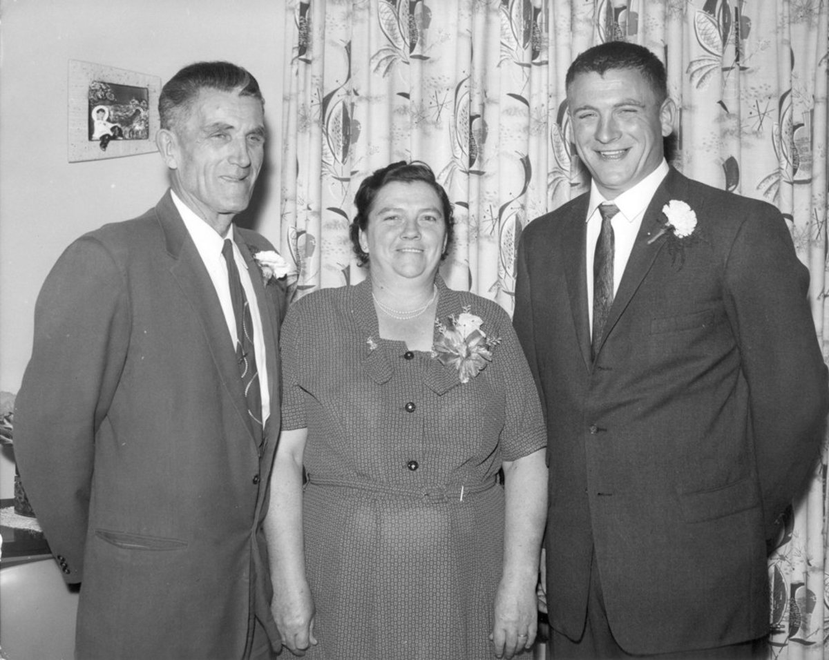 Dad with Memere and Pepere