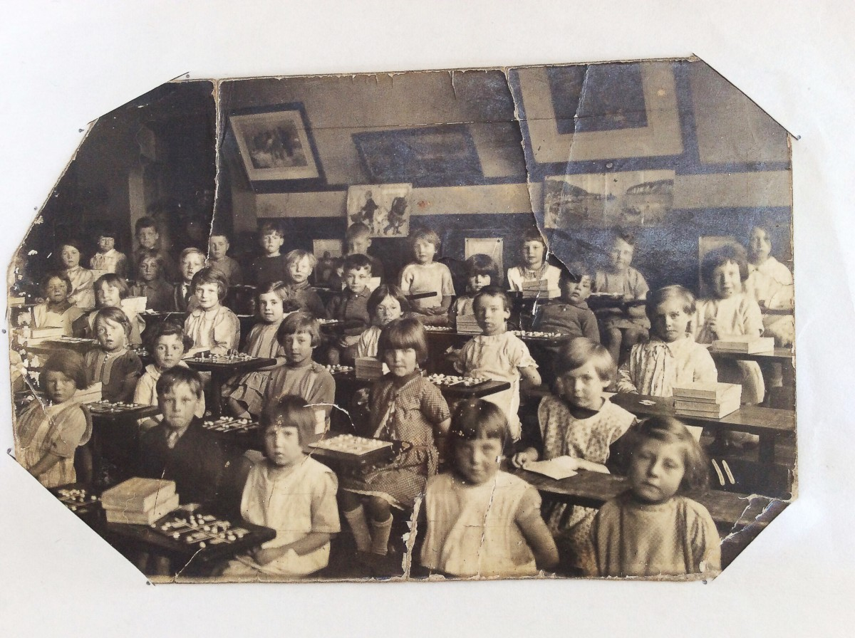 Easton Road School, 1928; my mother is the girl in the front row on the right