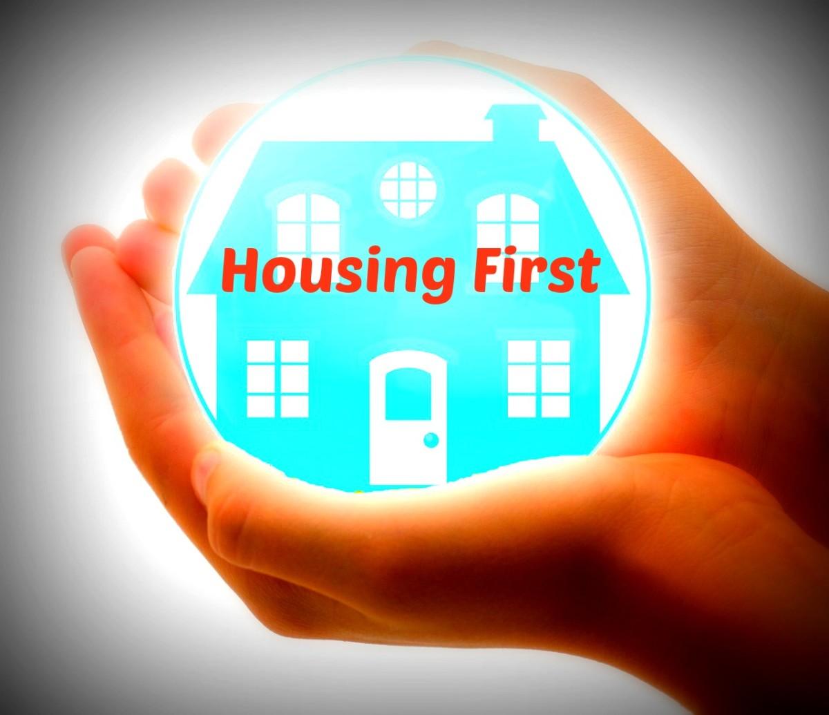 http://pixabay.com/en/house-insurance-protect-home-care-419058/