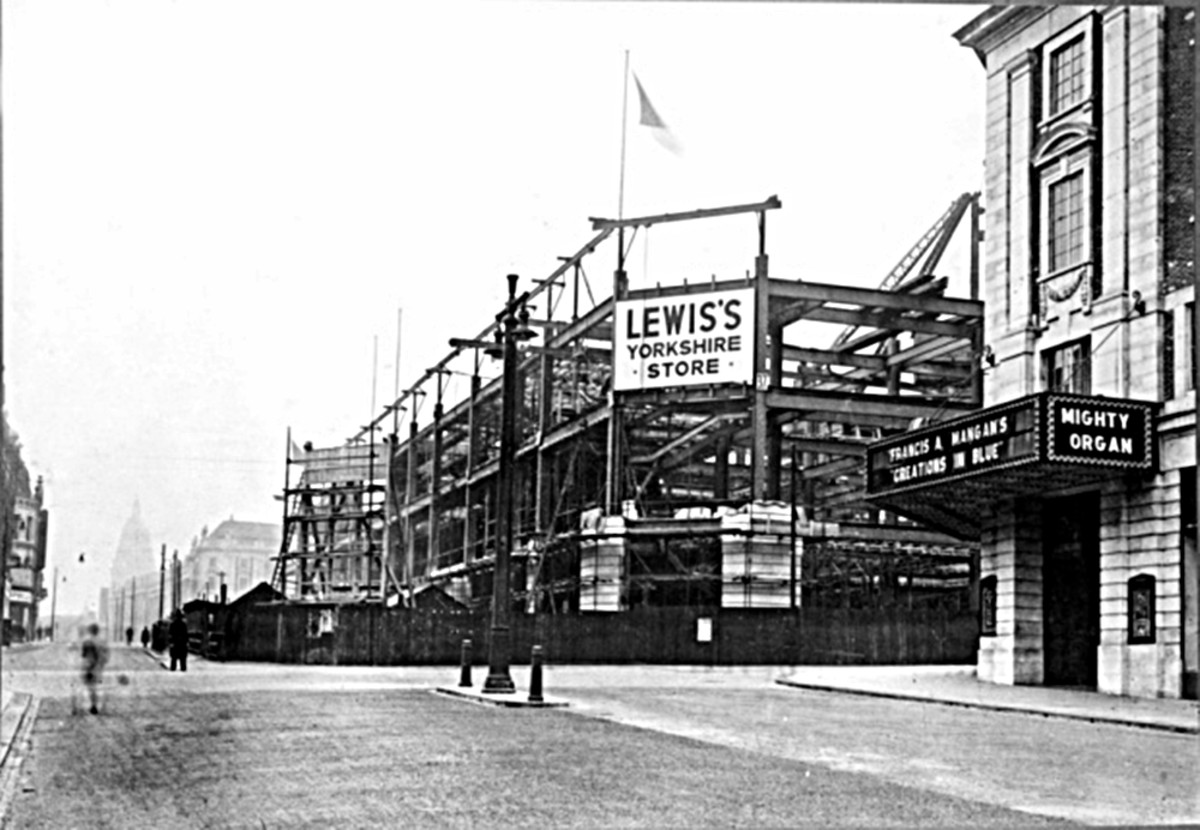 Lewis's, Leeds, under construction (1930s).
