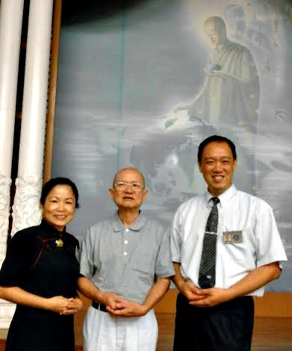 Good Guy with Sister Chris and Brother Edwin, my 2 unofficial Tzu Chi mentors.