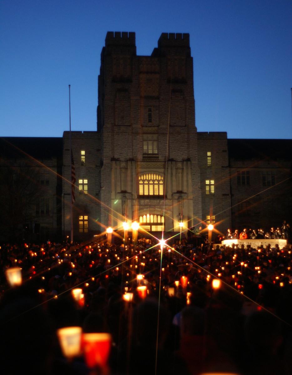 Candlelight Vigil at Virginia Tech.(2007)