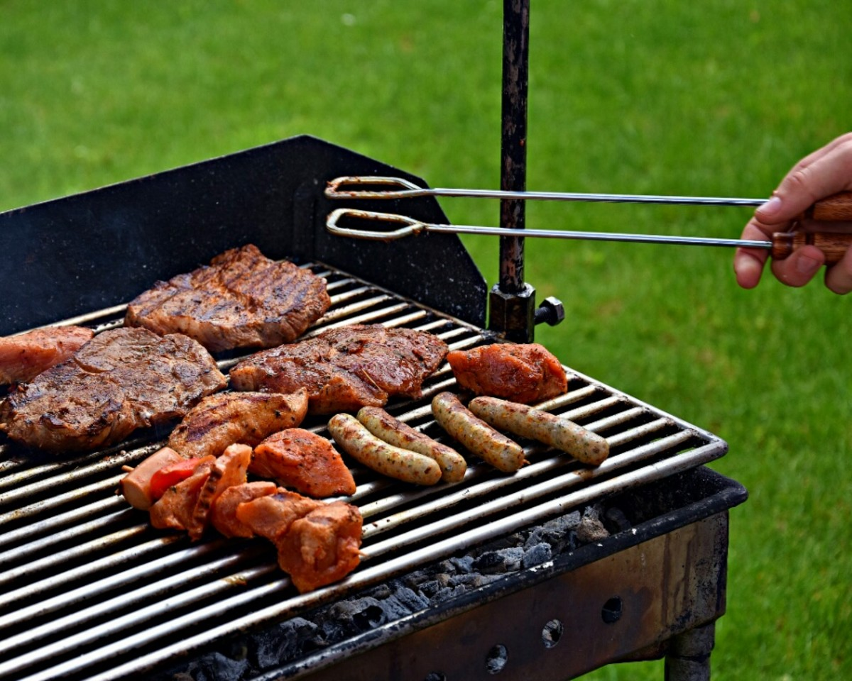 Barbeques of dogs and steak.