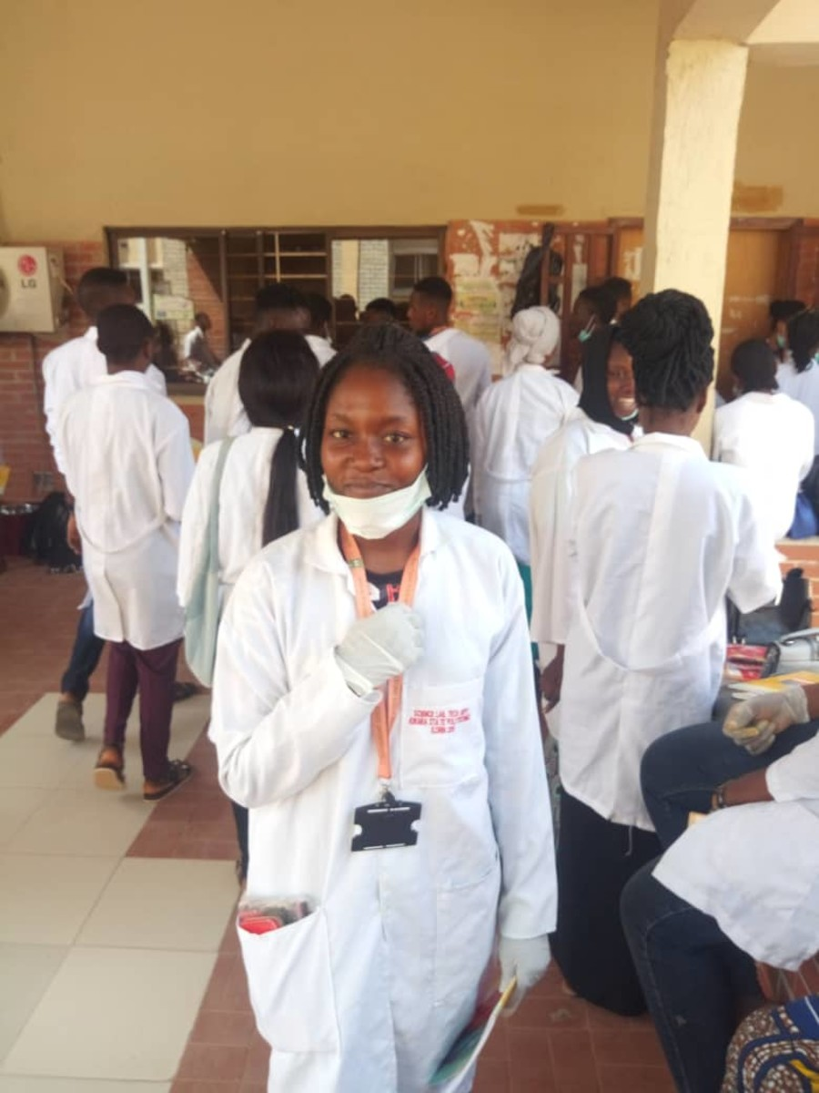 Miss Deby Ibiwoye, and other University Students in the Laboratory.