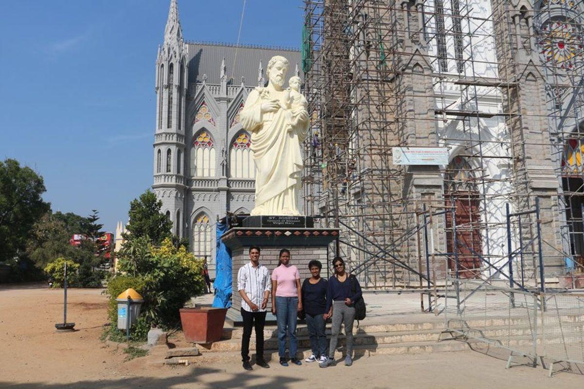My Indian Epal Sanjai, my mom, sis and myself :)
