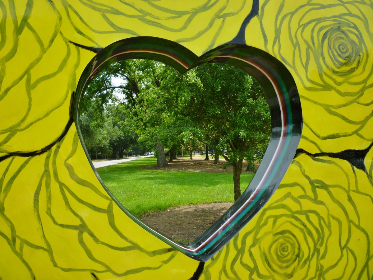 """Looking through """"Heart of the Heights"""" sculpture by Eisenhut/Ramos in True South sculpture exhibit in Houston"""