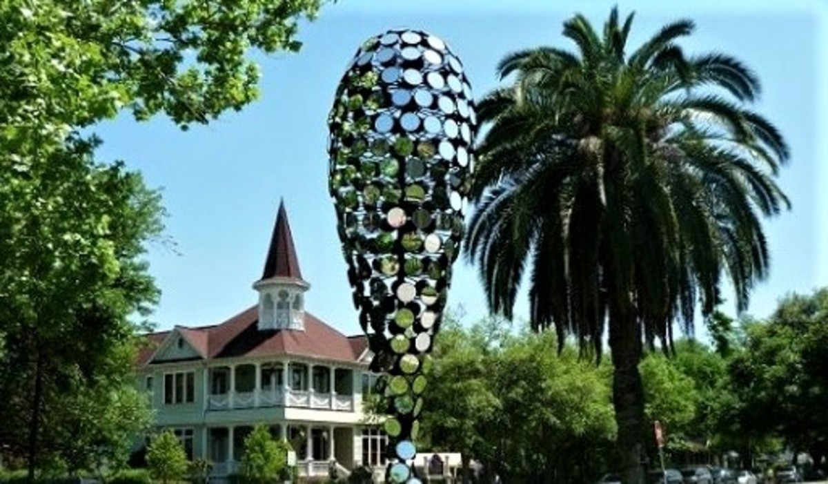 """Top part of the """"Ourglass"""" sculpture with the glistening mirrors by Dean Ruck"""