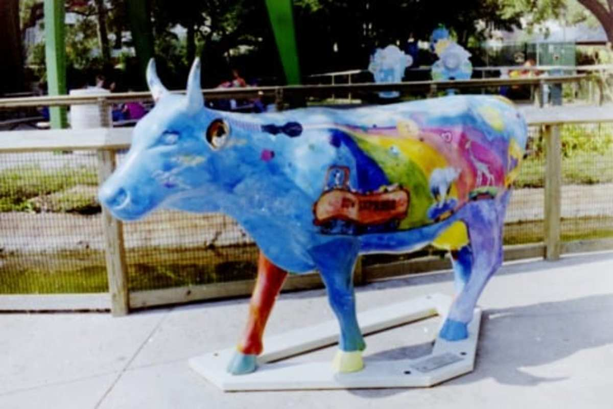 Cow Parade figure