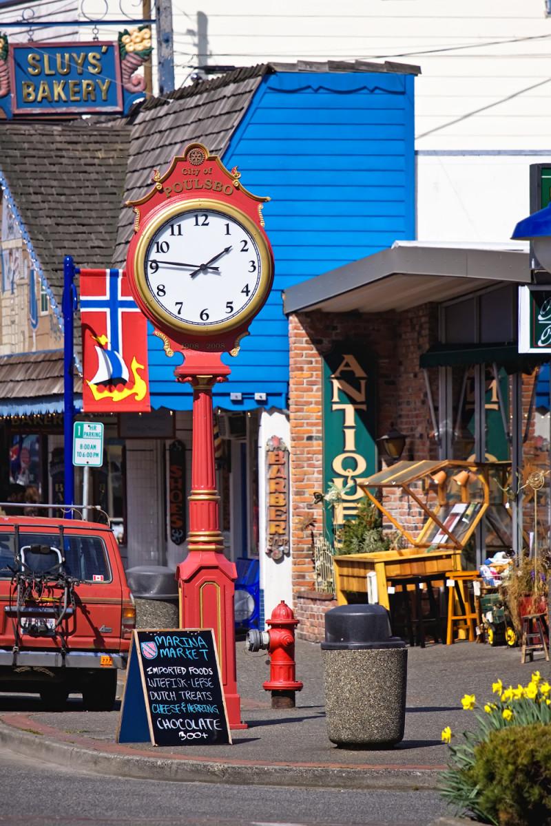 Poulsbo Street Clock