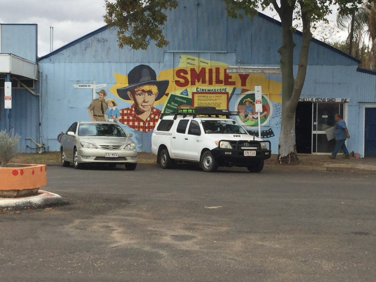 """Smiley"" mural on Men's Shed, Augathella, QLD, Australia"