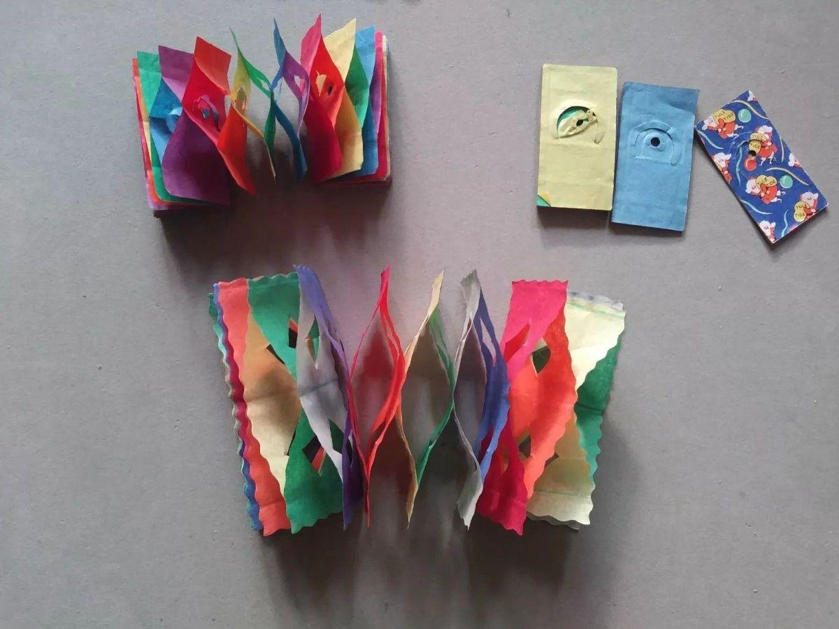 Tissue type garlands
