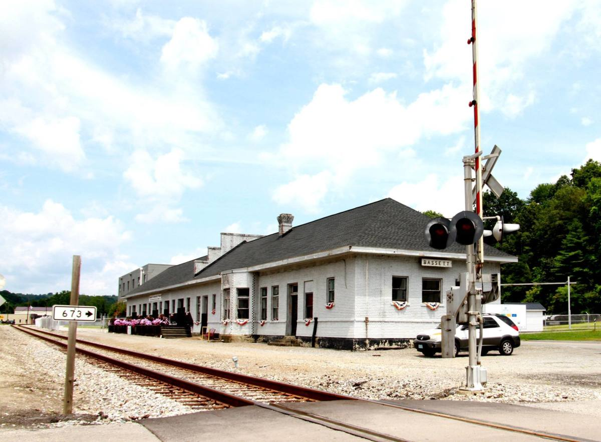 This style of railroad depot is typically found in the Southeast United States