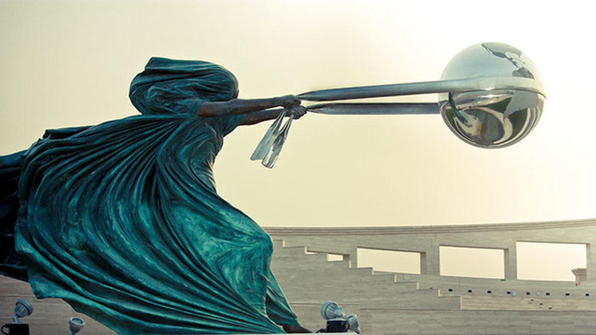 Sculpture defying gravity