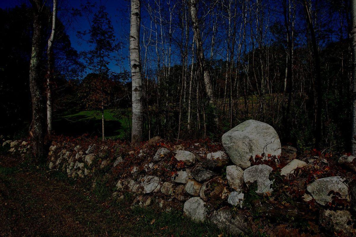 Stone fence along driveway at Estate Estremita