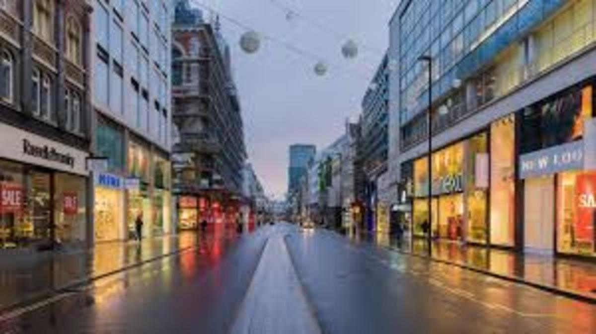 Oxford Street London, one of the world's great shopping avenues.