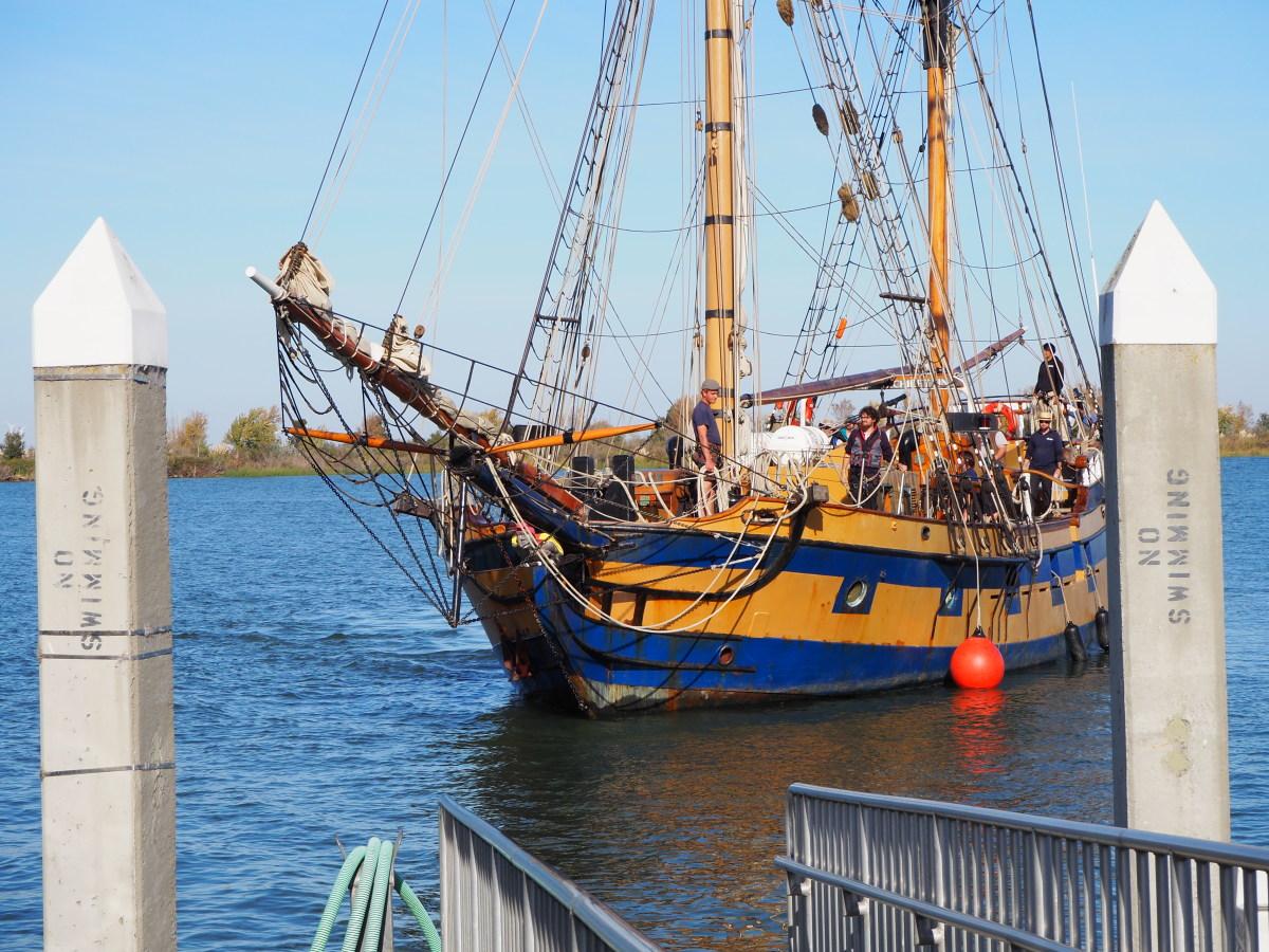 "The ""Hawaiian Chieftain"" coming in to dock."