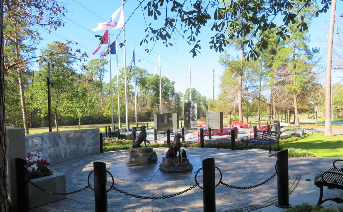 Service Dog Memorial next to Fallen Warriors Memorial