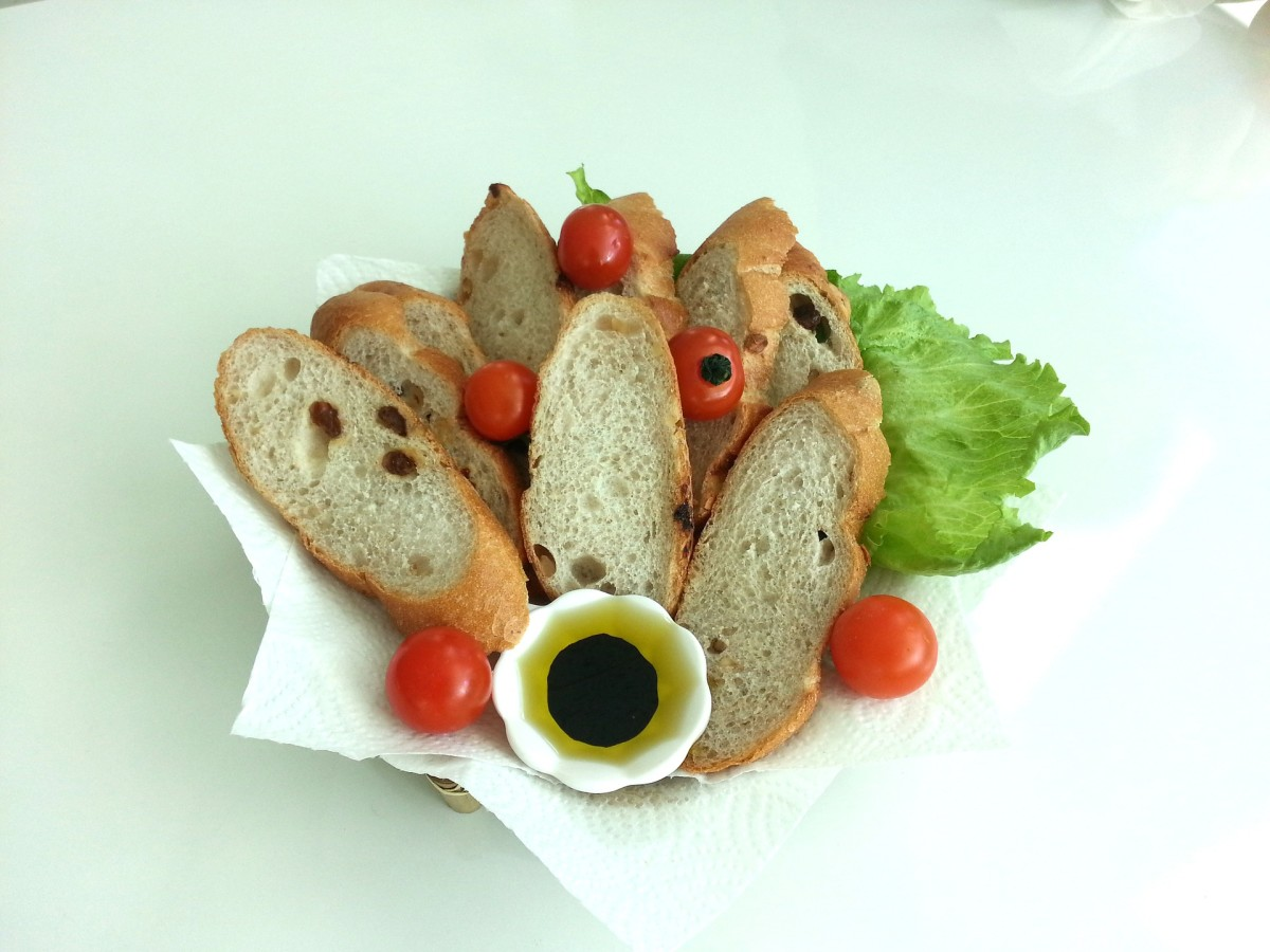 Olive oil and balsamic for your Tuscan bread