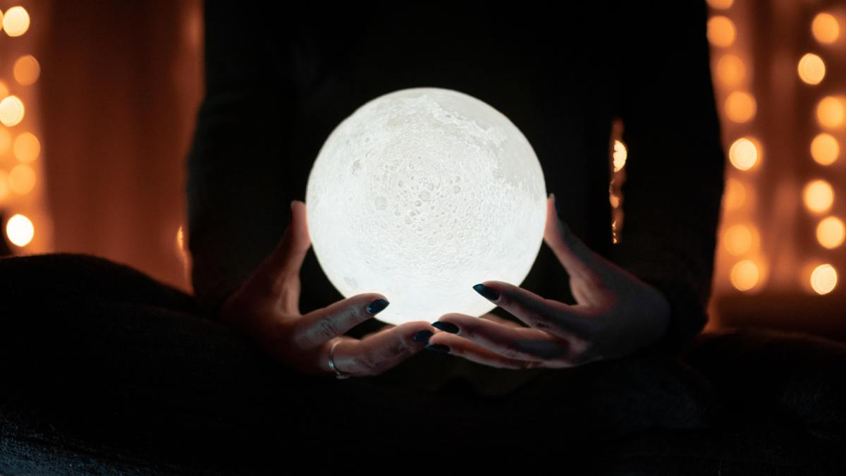 Online psychics—to trust or not to trust?