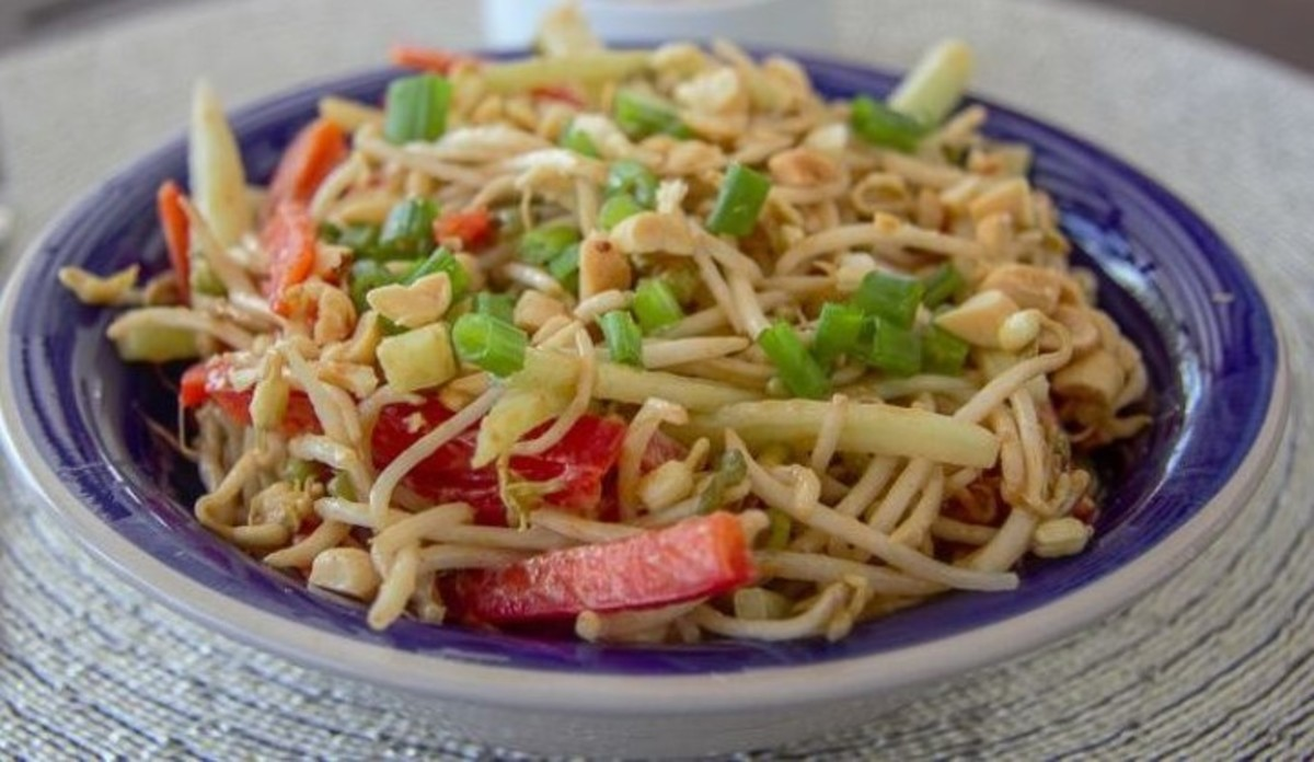 Delicious bean sprout salad